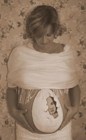Ik kom eraan hoor...2 - Hoog zwangere zus(je) heeft vanochtend haar buik laten beschilderen en ik heb met haar een leuke fotoshoot gedaan. De eerste k
