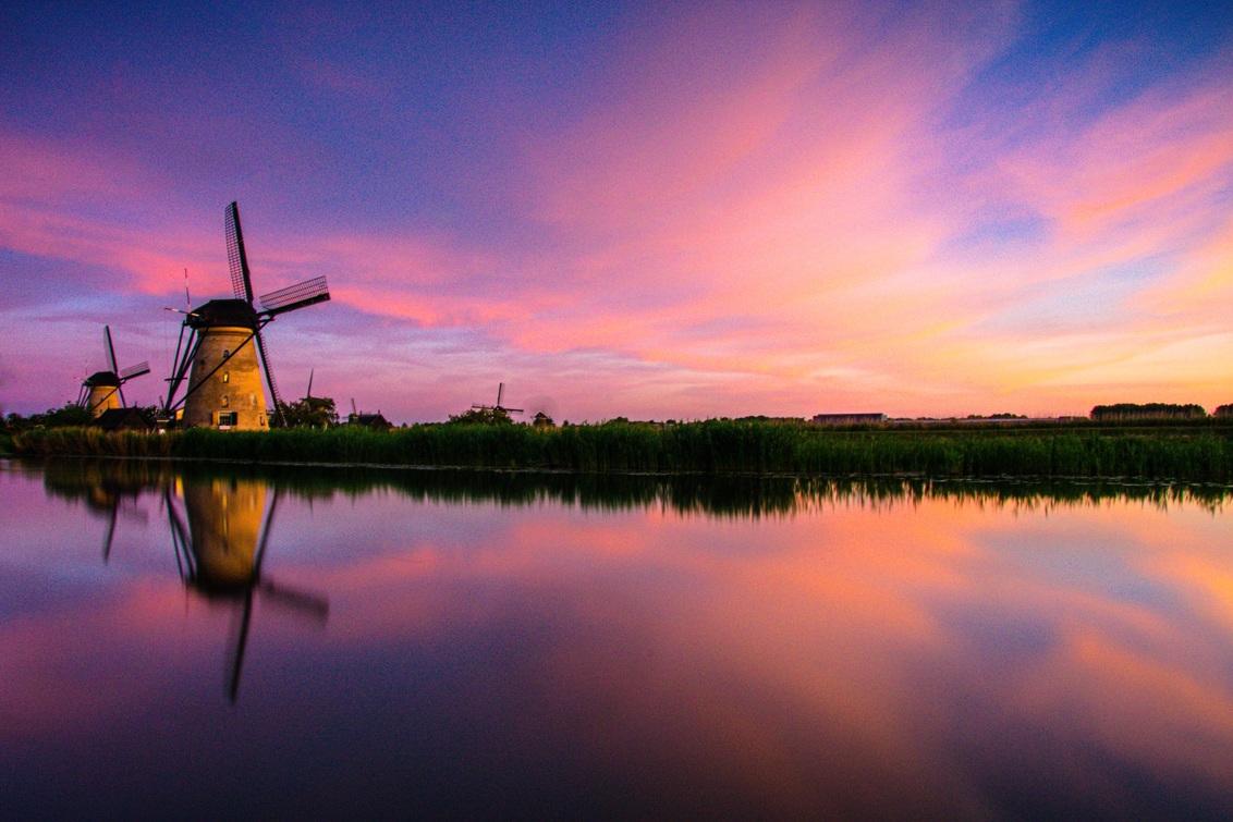 Mooie zonsondergang bij Kinderdijk