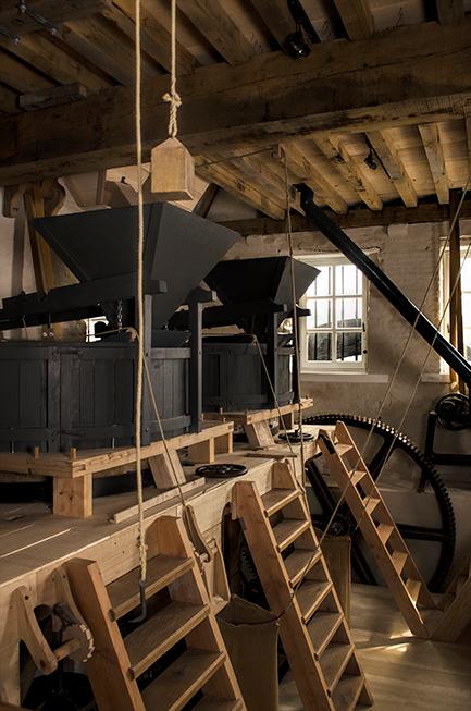 De lokatie abdij - De locatie was geweldig.<br /> In een oude  de watertoren<br /> molen stenen door water gedreven<br /> de gerst valt in die bakk