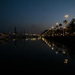 Barcelona bij nacht.