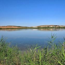 Laguna salada de Petrola.