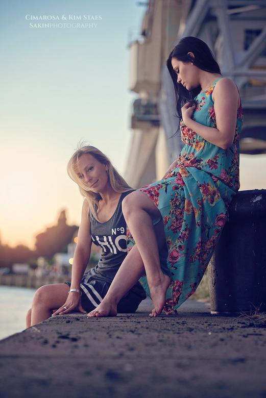 Urban fashion - Fotoshoot met Kim&Cimarosa bij Antwerpse kaaien.