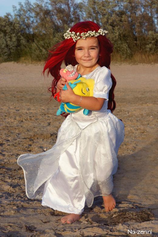 Prinses Ariël op het strand - Mijn dochter van 2,5 jaar en ik zijn beide gek op de originele Disney films en Mogen dit ook graag gebruiken in onze fot