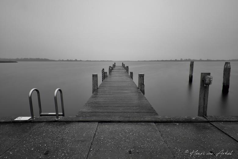 Lauwersmeer - Zwart/Wit - Lauwersmeer op een grijze dag (26-12-2018)
