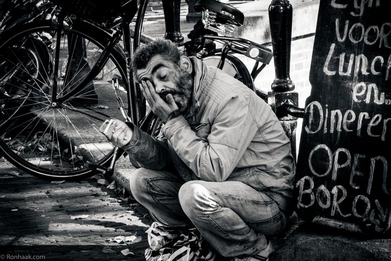 Mensen op straat -1 - Mensen op straat intrigeren me. Ieder heeft zijn eigen verhaal en eigen redenen of oorzaak om zijn leven op straat door te breng