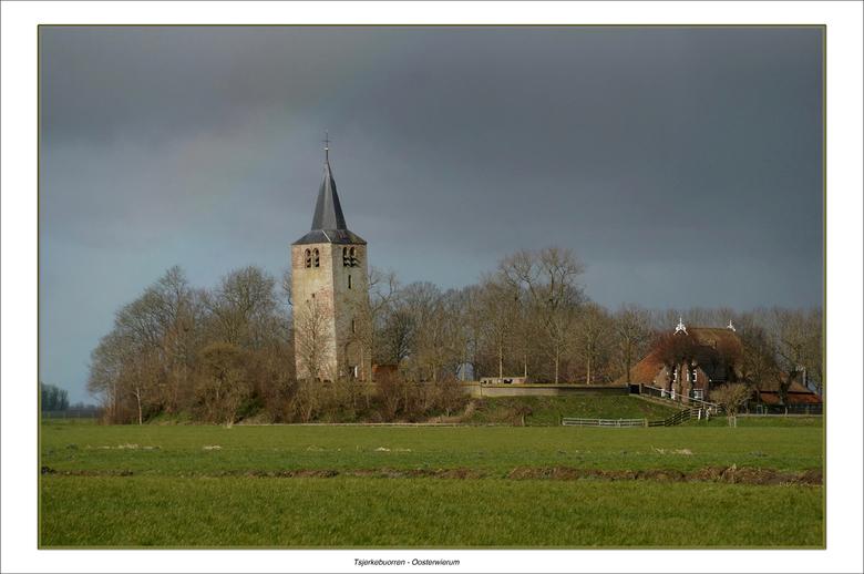 Eenzame wachter - Tsjerkebuorren is een buurtschap in de Friese gemeente Littenseradeel, gelegen tussen Mantgum en Oosterwierum.<br /> <br /> Tsjerk