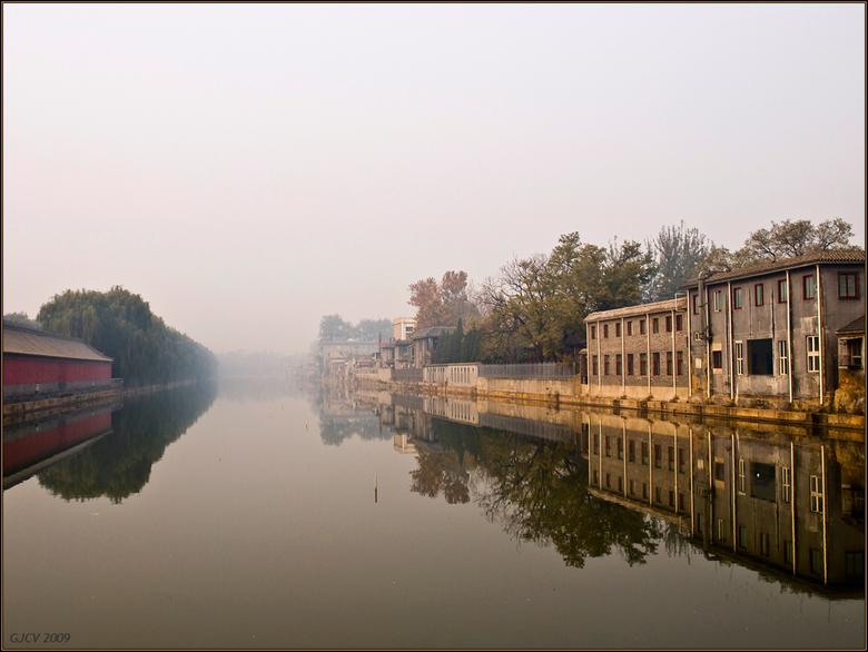 Verstild - November. Smog. Beijing, direct ten oosten van de verboden stad