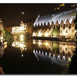 De Vleeshallen van Gent by night