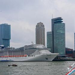 splendid ship