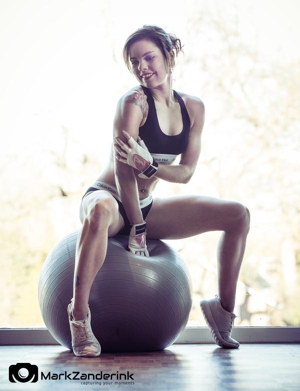 Workout with a smile - Workout with a smile.<br /> <br /> Model: Cynthia