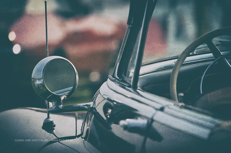 Classic cars 2 - Gemaakt op een meeting voor Amerikaanse oldtimers.<br /> Foto achteraf in een speciaal vintage kleedje gestoken.