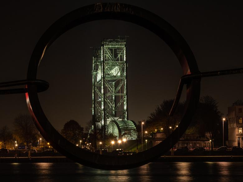 De oude hefbrug - Om door een ringetje te halen De oude Hefbrug, Rotterdam