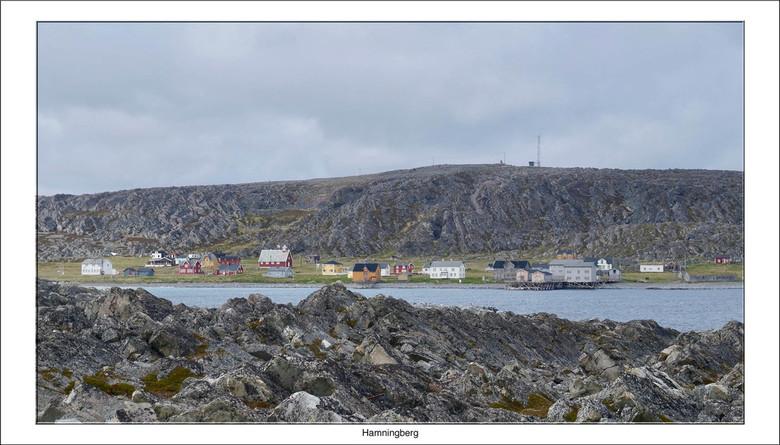 Hamningberg - Hamningberg is een klein vissersdorp in het hoge noorden van Noorwegen in de gemeente Båtsfjord. Het is gelegen aan de Barentszzee op he