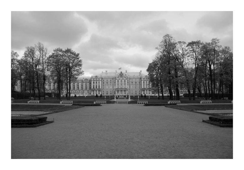 Puskin Palace Catrina 1 - Het Paleis van Catrina 1.<br /> Schitterend palijs nabij St. Peterburg, mooie en rustige omgeving. Je gaat hier ver terug i