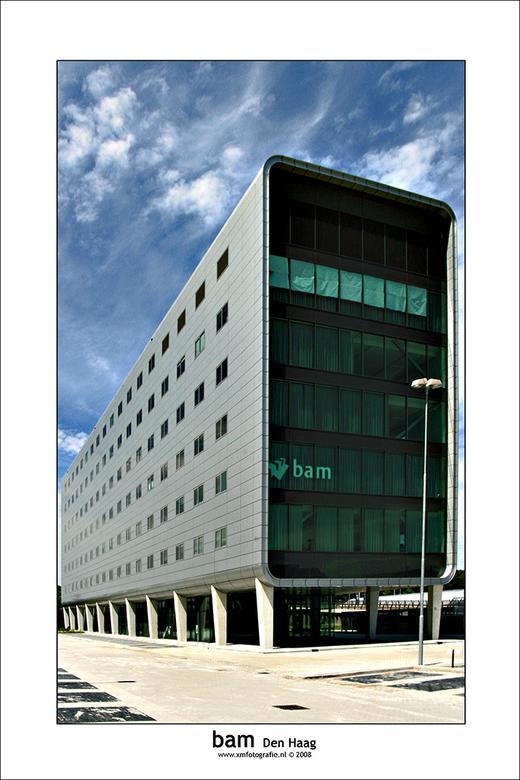 BAM Den Haag - Nieuw en opvallend gebouw van de BAM op bedrijventerrein Forepark net over de grens met Leidschendam.<br /> <br /> Jammer dat de lant