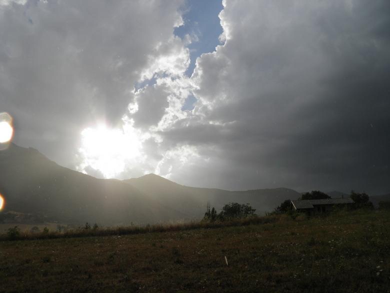 Regen En Zonneschijn : Na regen komt zonneschijn landschap foto van robmali zoom