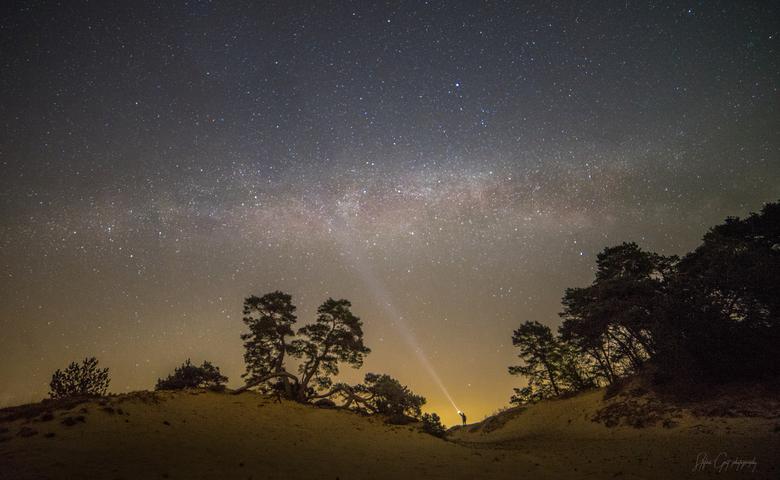 Stargazing - De melkweg boven de Veluwe, laten we hopen dat ze een keer iets gaan doen aan de hoeveelheid lichtvervuiling in Nederland......