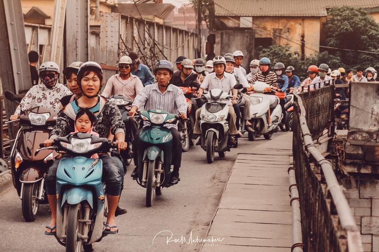 Buzzing Hanoi  -