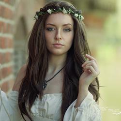 Model: Megan Bajetto