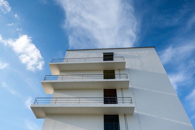 Dessau, Bauhaus universiteit - Het gebouw is tussen 1925 en 1926 volgens plannen van Walter Gropius gebouwd als schoolgebouw voor de kunst-, design- e