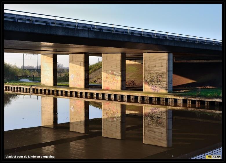 Spiegeltje in het land - Hoe een viaduct gaaf kan zijn.