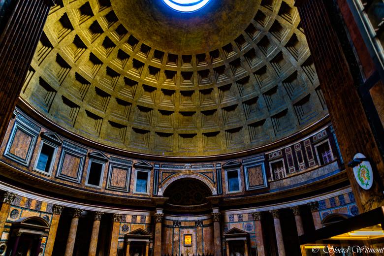Insight the Pantheon, Rome - Het Pantheon, Rome van binnen. Wat een schitterende stad voor fotografen is dit!