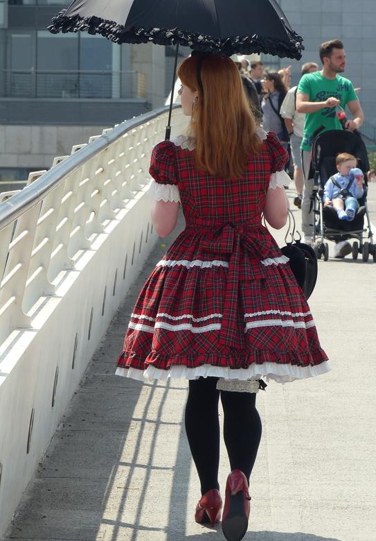 Koket meisje op de brug - Dublin<br /> Een lust voor het oog.