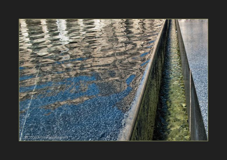 Parijs Louvre4 - En natuurlijk ga je ook naar het Louvre als je in Parijs bent....<br /> <br /> Enkele buitenfoto&#039;s. <br /> <br /> Als je het