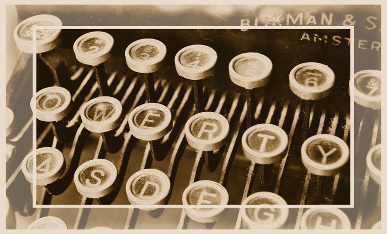 To qwerty or not to qwerty, that's the question... - Kent u deze nog???<br /> <br /> Een oud typemachine van Royal, heb ik hier thuis ter decoratie