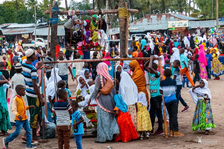 Zanzibar - Een dorpsplein op het eiland Zanzibar in Tanzania. Dit is een foto gemaakt tijdens het suikerfeest dat bijna 5 dagen duurde in het dorpje N