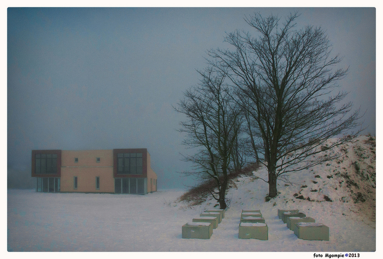 """Modern living - Mist, sneeuw, een beetje zon, waanzinnig licht en mijn wijk.<br /> <br /> Iedereen bedankt voor de reacties op de<br /> <a href=""""ht"""