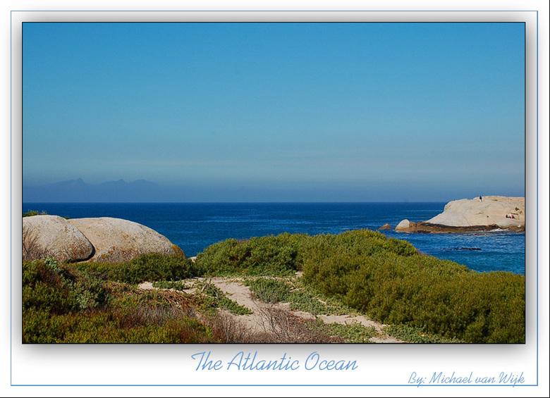 """The Atlantic... - De Atlantische Oceaan. Blauwer dan de Noordzee,dat weet ik zeker! <img  src=""""/images/smileys/smile.png""""/><br /> <br /> Gr. Michael"""