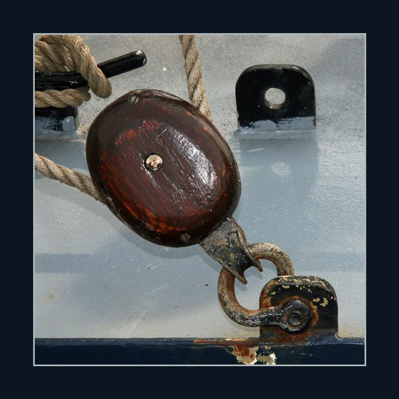 Schootblok - Afgelopen zondag lagen in de Veerhaven, de oude zeilschepen, die meedoen met de race of de classic.<br /> Ik heb wat foto´s gemaakt van