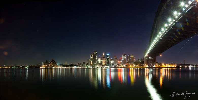 Skyline van Sydney - Panorama nachtopname van het Opera House.