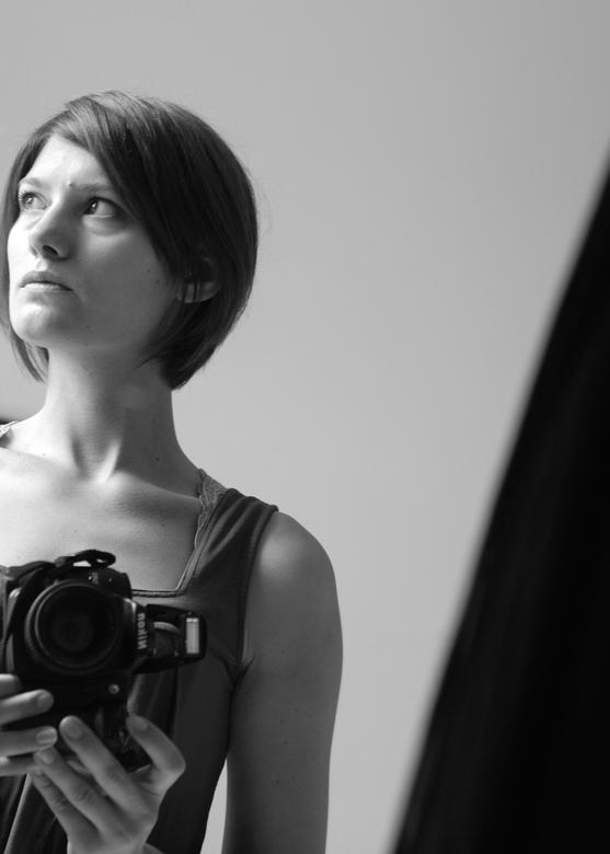 Simply me... - Zelfportret gemaakt via spiegel.