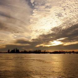 Hoog water IJssel - Zutphen