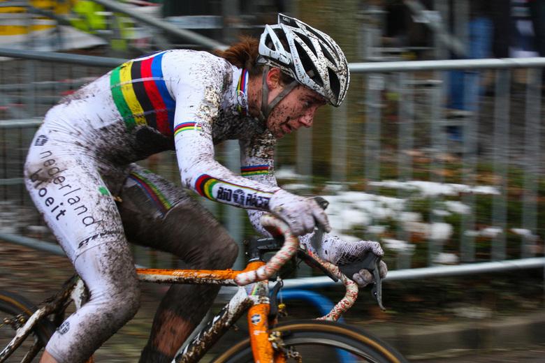 """Marianne Vos - Marianne Vos<br /> Winnaar van de damescross in Loenhout <img  src=""""/images/smileys/beer.png""""/> 2010."""