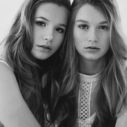 Chloë & Tess