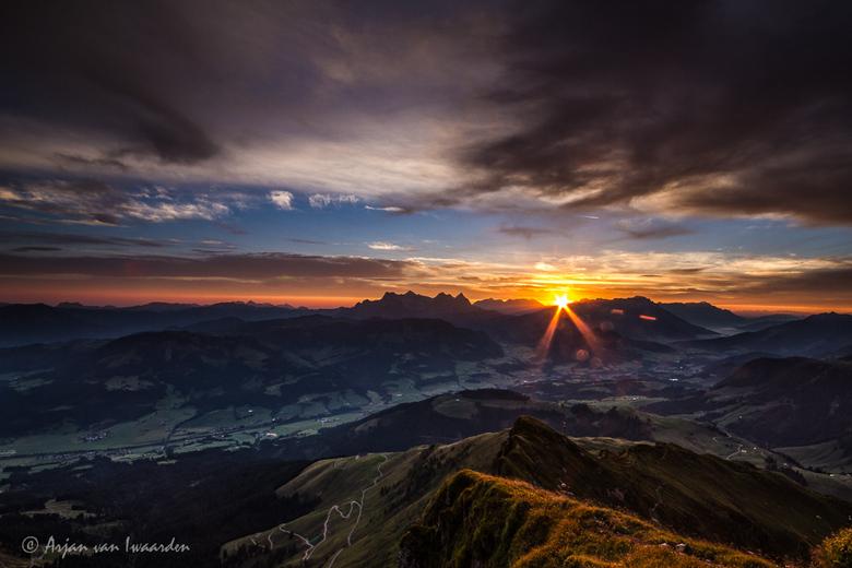 Zonsopkomst in Oostenrijk - Vroeg opgestaan om deze zonsopkomst vanaf de Horn Gipfel in Kitzbühel te fotograferen.