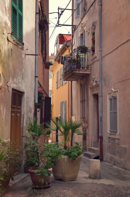 Antibes - Een van de vele mooie straatjes van Antibes