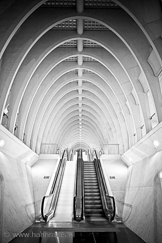 Stairs inside....... - Station Luik-Guillemins <br /> <br /> 201010090001