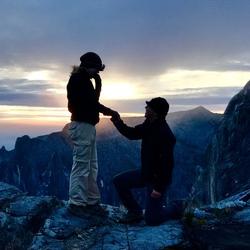 Huwelijksaanzoek op de top van Mt Kinabalu