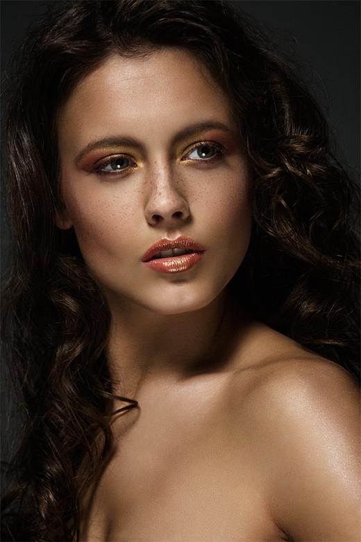 Lynn - Lynn<br /> MUA &amp; Hair : Ines Kroeze
