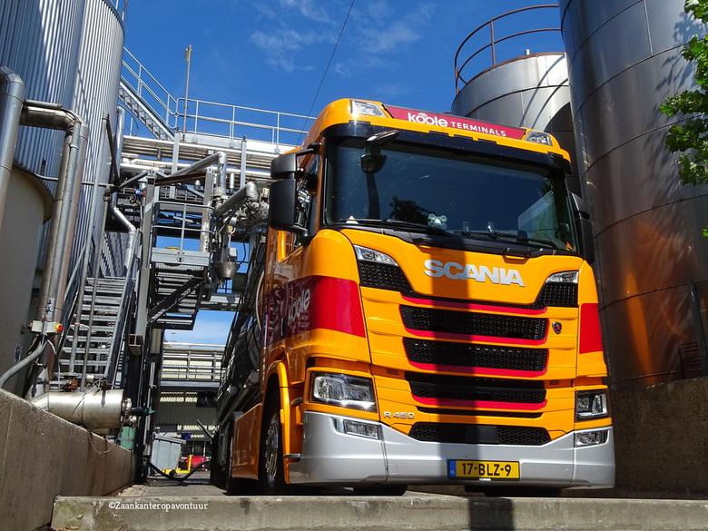 Koole Tanktransport  - Mooie Scania gespot. Dit bedrijf zie je altijd wel in de Zaansttreek. Of de vrachtwagens of de schepen. Deze foto heb ik gemaak