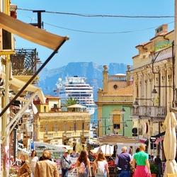 Sardinië stad Olbia, uitzicht in winkelstraat