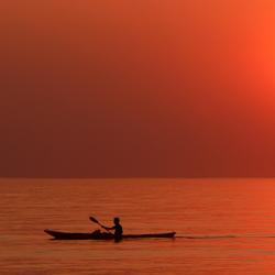Kanoer op zee