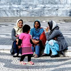 Vrouwen op plein Lissabon