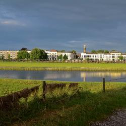 IJsselkade Zutphen in het zonnetje