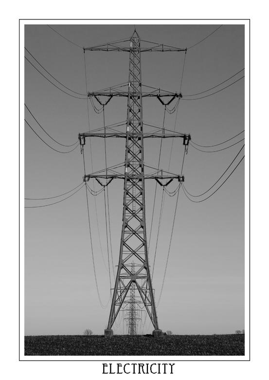 Electricity - Een foto met lekkere orde en lijnen.<br /> ik vond dit standpunt zelf erg mooi, doordat alle masten zo achter elkaar stonden.<br /> <b