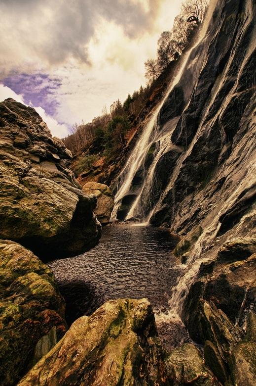 Powerscourt waterfall - Prachtige locatie om foto's te schieten en te genieten van het kletterende water.